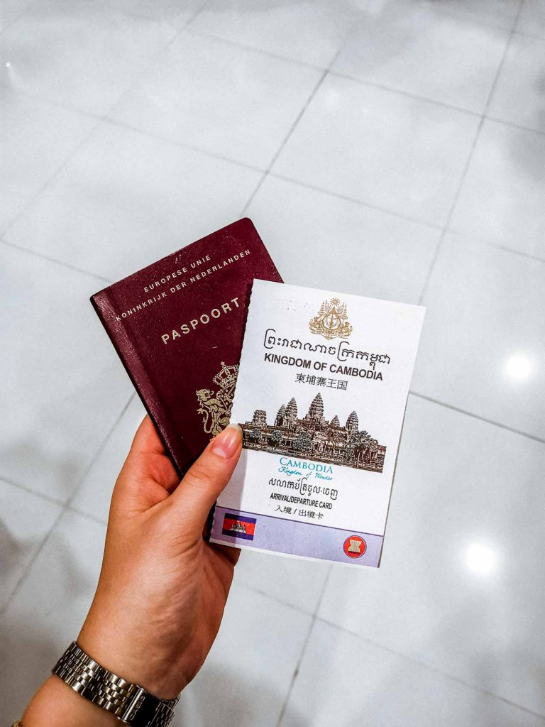 Visa and pasport for entering Cambodia